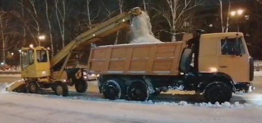 Дорожники чистят снег за 43 рубля в час в Новосибирске: «Обидно, что нас ненавидят»