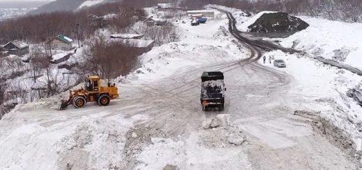 На снегоотвалах Барнаула формируют второй ярус