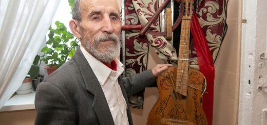 Один из самых самобытных художников открыл выставку в Барнауле