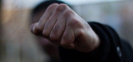Братья убили собутыльника в Кузбассе, поскольку тот отсидел в «неправильной» колонии