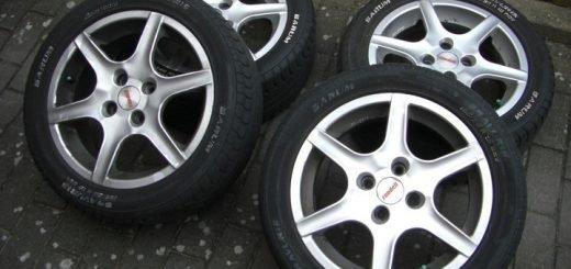 Из гаража жителя Барнаула украли 13 комплектов летней резины