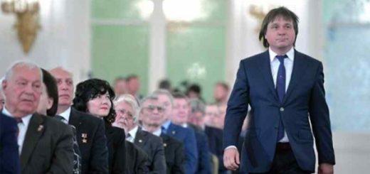 Кардиохирурга Покушалова выпустили из дома