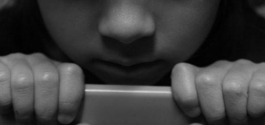 В Барнауле неизвестный проник в квартиру и изнасиловал мальчика