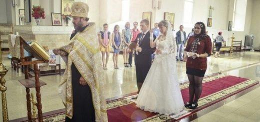 Бесплатными проститутками назвали в РПЦ женщин в гражданском браке