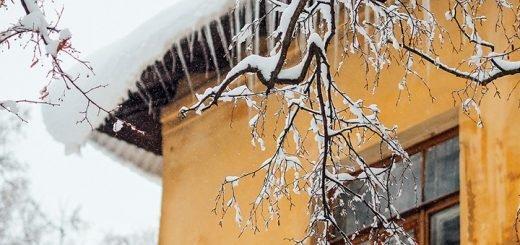 Общественники призывают очистить бийские крыши от снега и сосулек