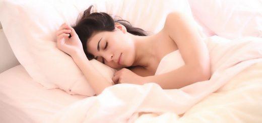 Эксперт рассказал, сколько можно спать днем