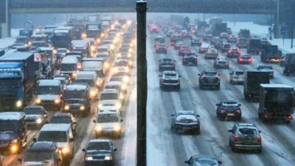 Вечером пятницы Новосибирск сковали 9-балльные пробки
