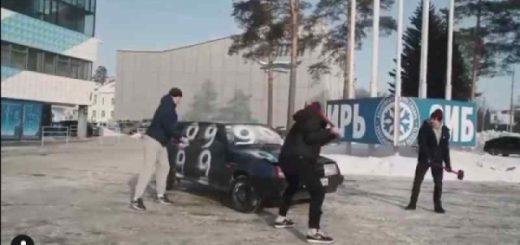 Хоккеисты «Сибири» сменили клюшки на кувалды ради «копейки»