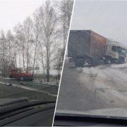Под Новосибирском фура слетела с дороги, погибла женщина