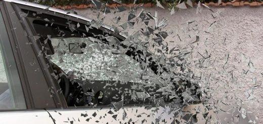 Четыре человека пострадали в ночном ДТП на улице Матросова