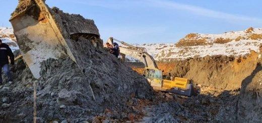 Рабочий погиб при обрушении карьера золотодобычи в Кузбассе