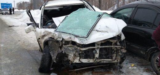 Женщина погибла в изуродованной «Хонде», много травмированных