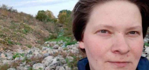 Женщина-кондуктор пропала с деньгами: новосибирцев просят помочь в поисках
