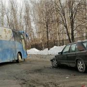 ДТП в Ленинском районе Новосибирска: автобус врезался в автомобиль