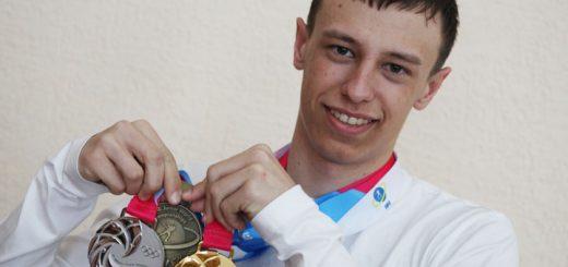 Барнаулец стал первым юношей из России, выигравшим ЮОИ в биатлоне