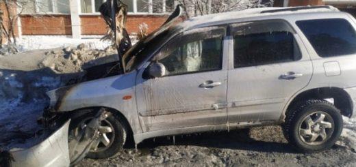 На территории Бердского санатория сгорела Mazda Tribute