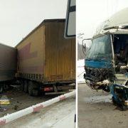 Две фуры столкнулись на Пашинском переезде под Новосибирском