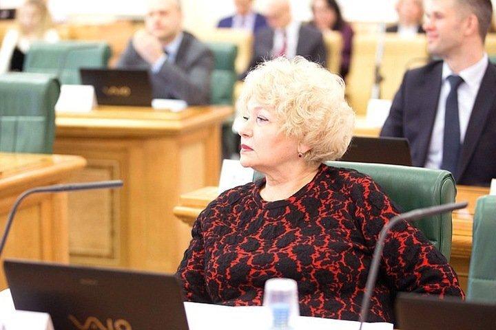 Тувинский сенатор Нарусова самоизолировалась