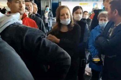 Граждане Киргизии готовы лететь из Толмачево «грузом 200»