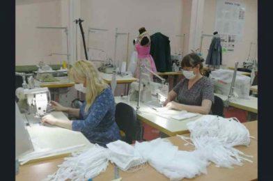 Колледж в Новосибирске начал шить защитные маски