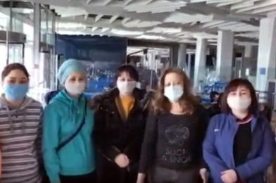 Жители Киргизии объявили голодовку в новосибирском аэропорту