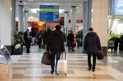 Толмачево: за неделю досмотрено 7000 человек, прилетевших с мест отдыха
