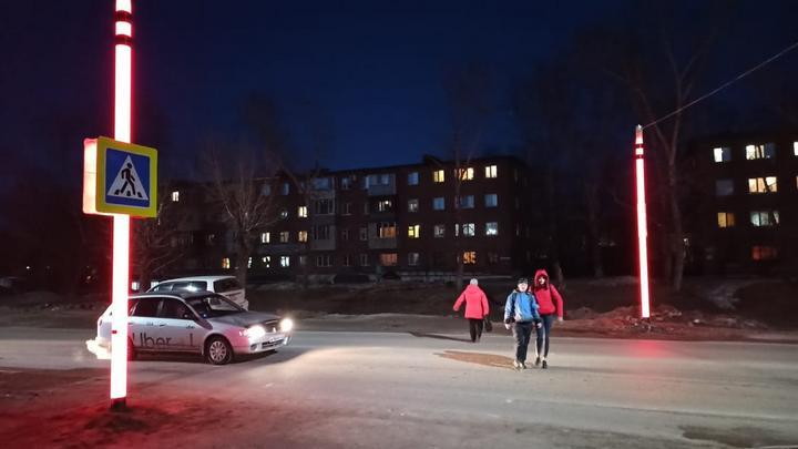 В Бийске появился первый светящийся пешеходный переход
