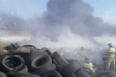 Черный дым от пожара накрыл Ленинский район Новосибирска